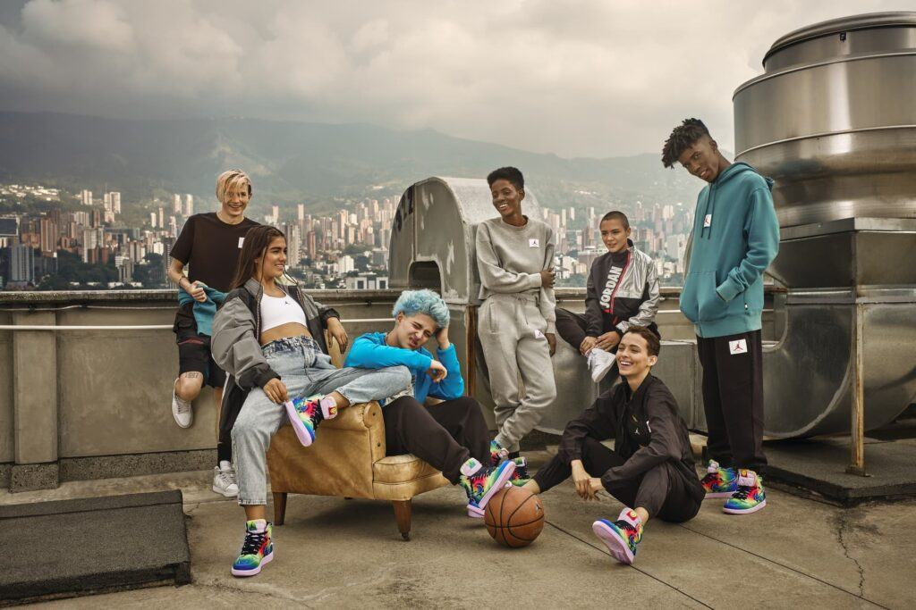 kids hanging out in nike merchandise make cash online